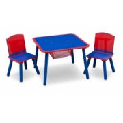 Staliukas su dviem kėdutėmis