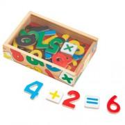 Mediniai magnetiniai skaičiai medinėje dėžutėje Melissa & Doug