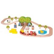 Medinė traukinių trasa fermoje Bigjigs